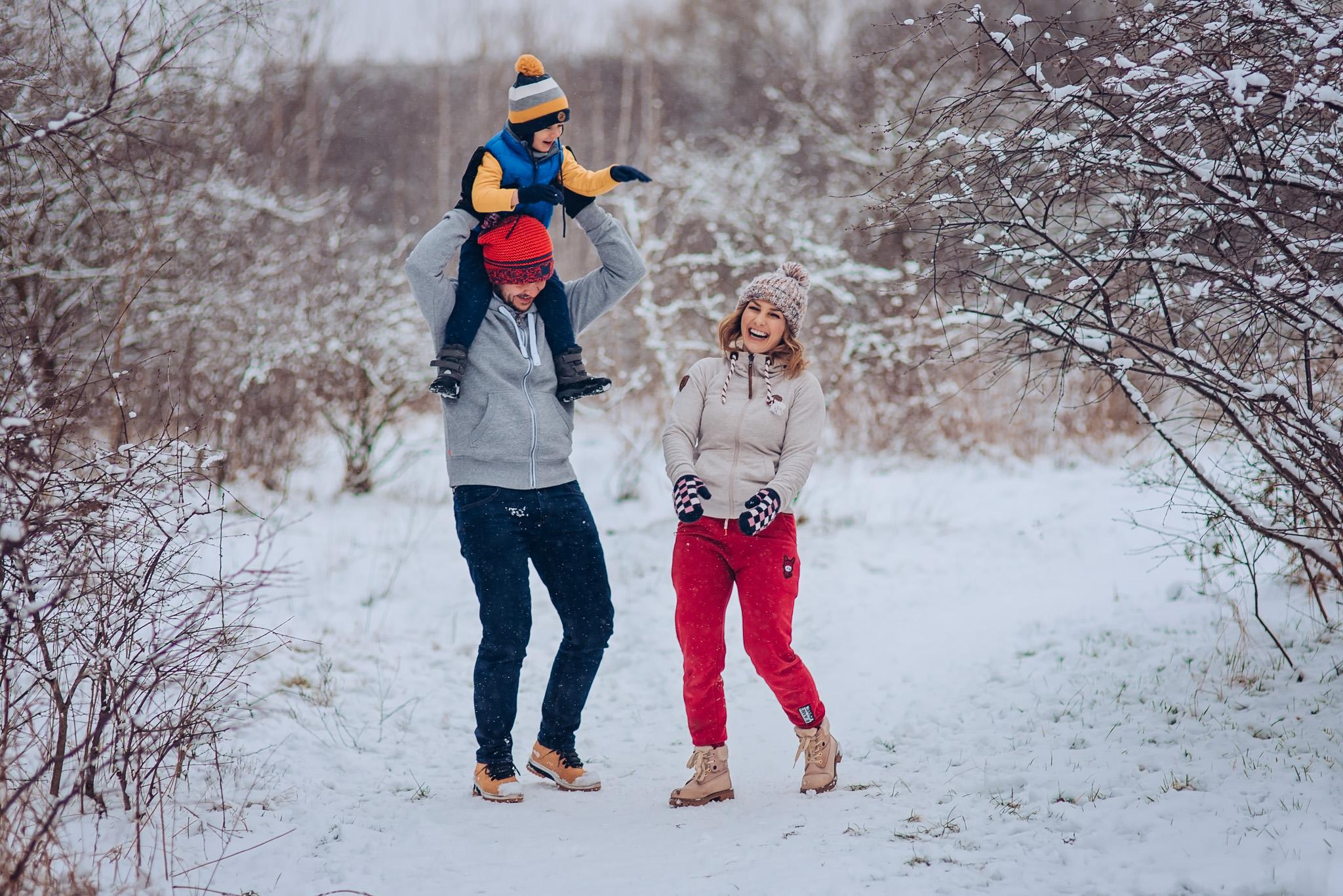 zimowa sesja rodzinna w plenerze warszawa wilanow