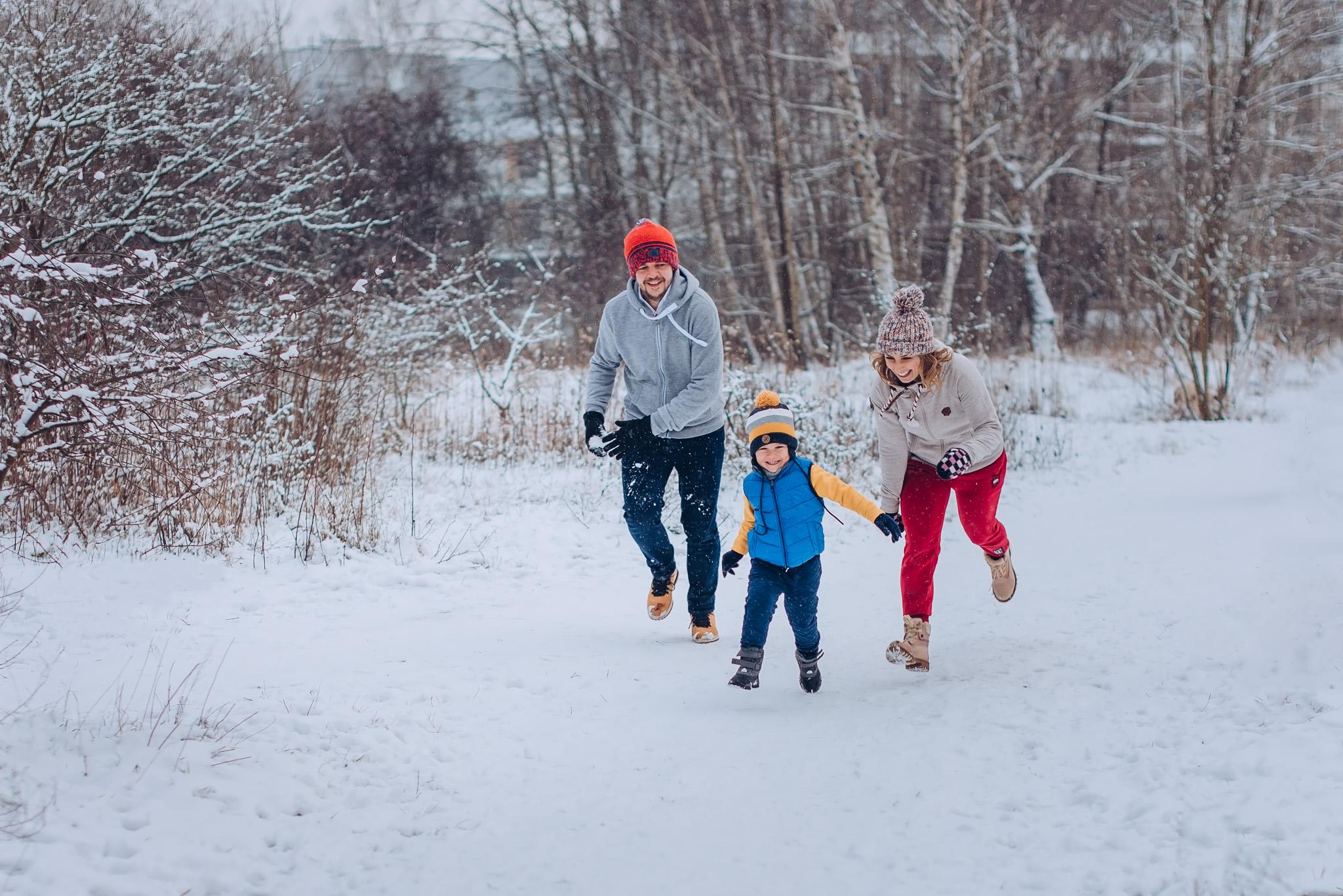 sesja rodzinna w zimowym plenerze warszawa wilanow konstancin