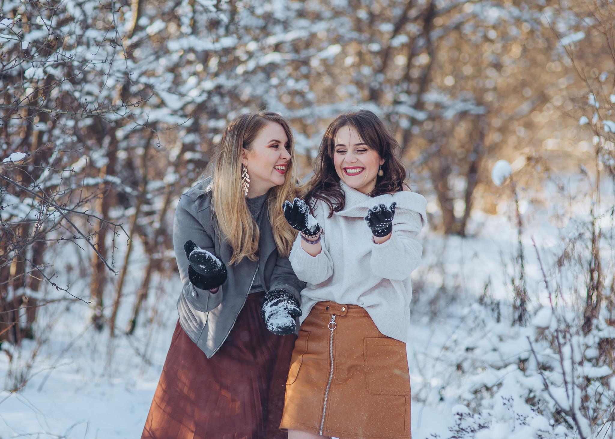zimowa sesja przyjaciółek w plenerze warszawa piaseczno konstancin wilanow