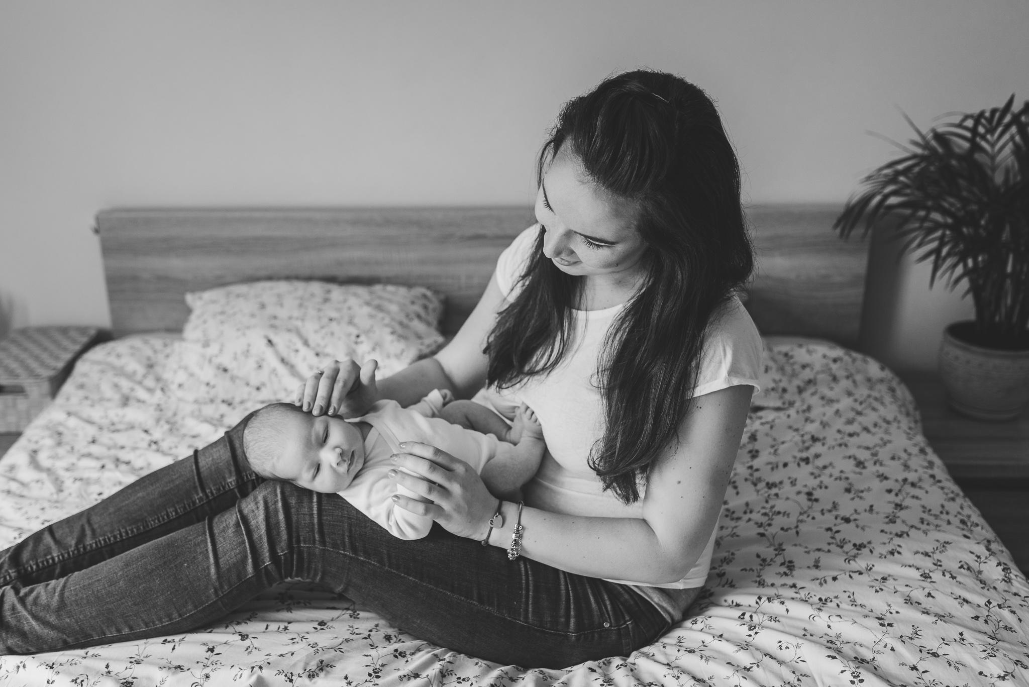 mama i synek noworodek w domu konstancin warszawa