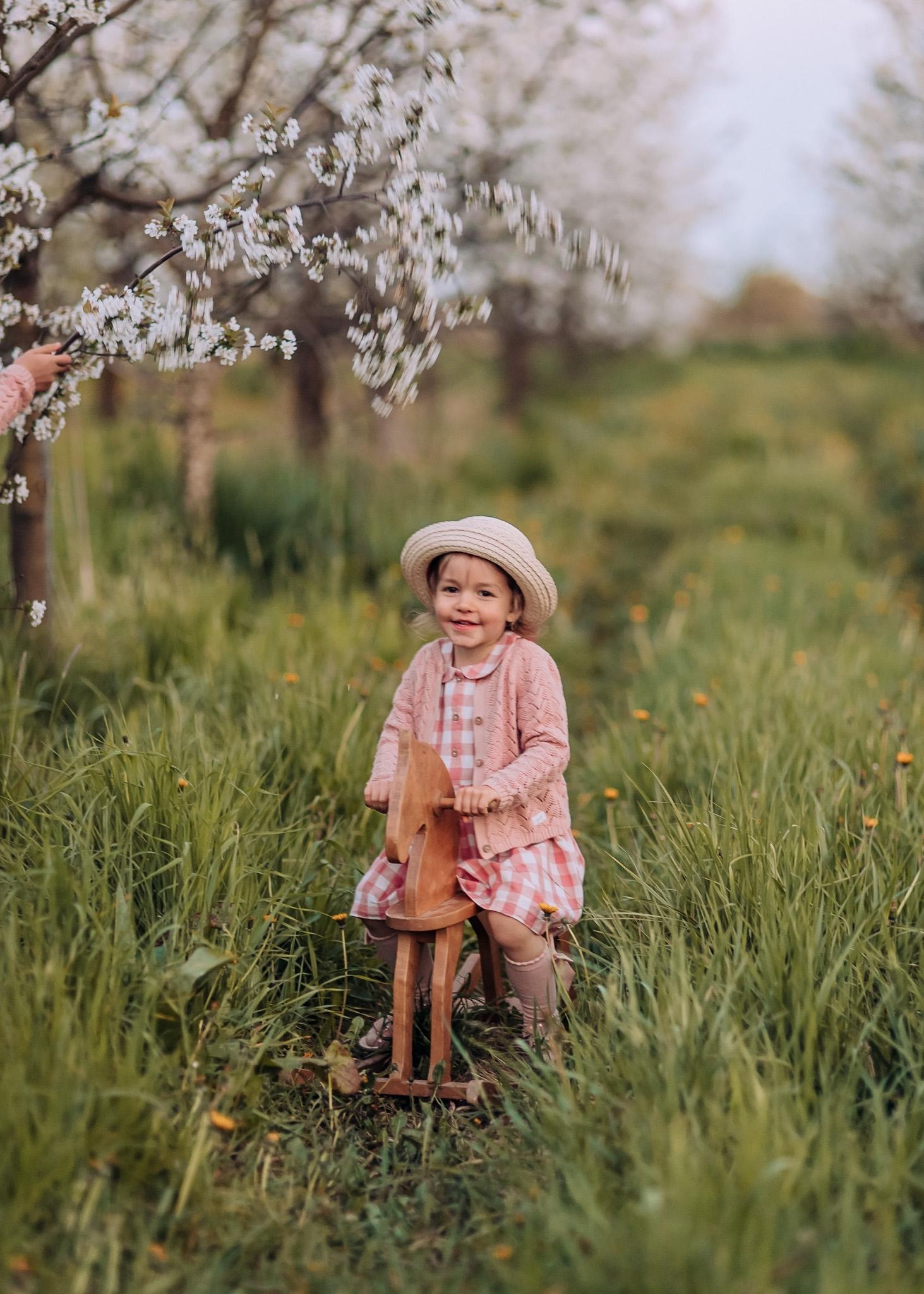 wiosenne zdjecia dzieciece warszawa wilanow
