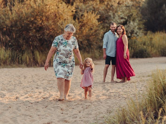 Sesja rodzinna z babcią